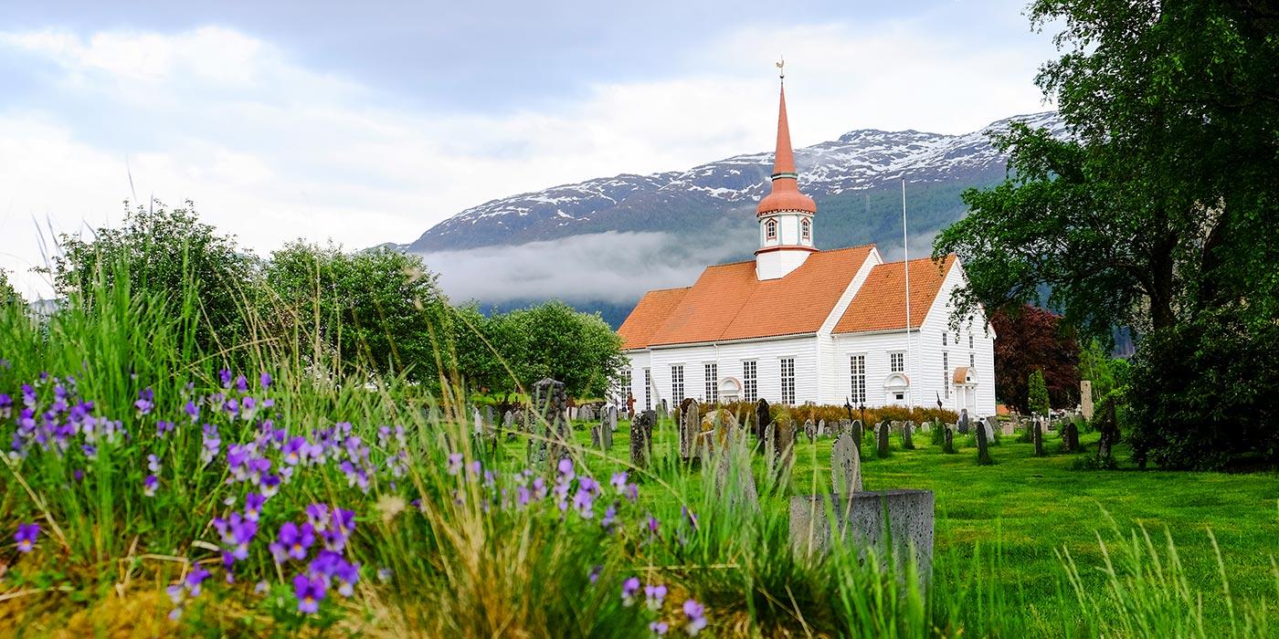 Eid Kyrkje - Port of Nordfjordeid